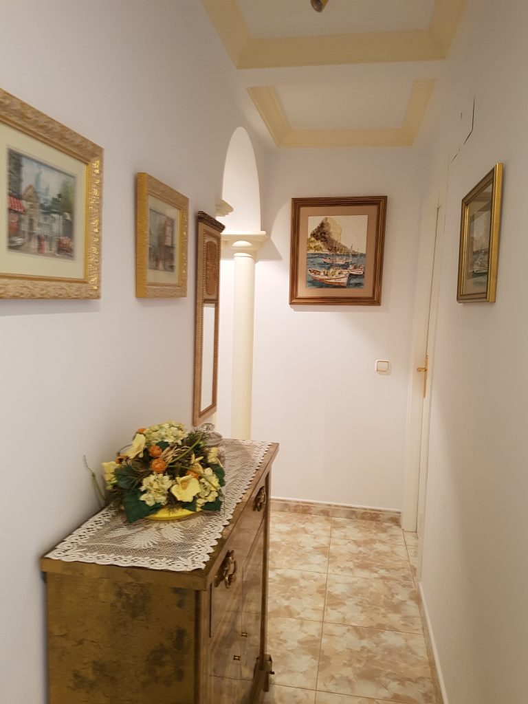 hall 6 persons holiday home Spain